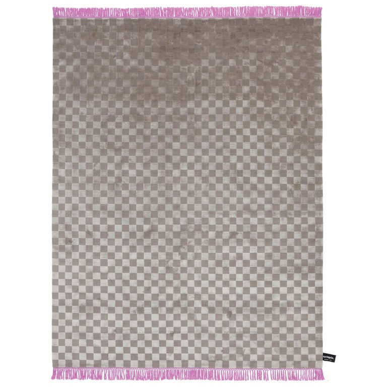 Damier Sleek Soie Checkerboard Pattern Rug with Purple Fringe by CC-Tapis For Sale