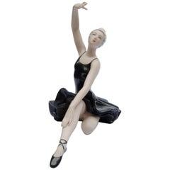 Dancing Porcelain 'Royal Dux'