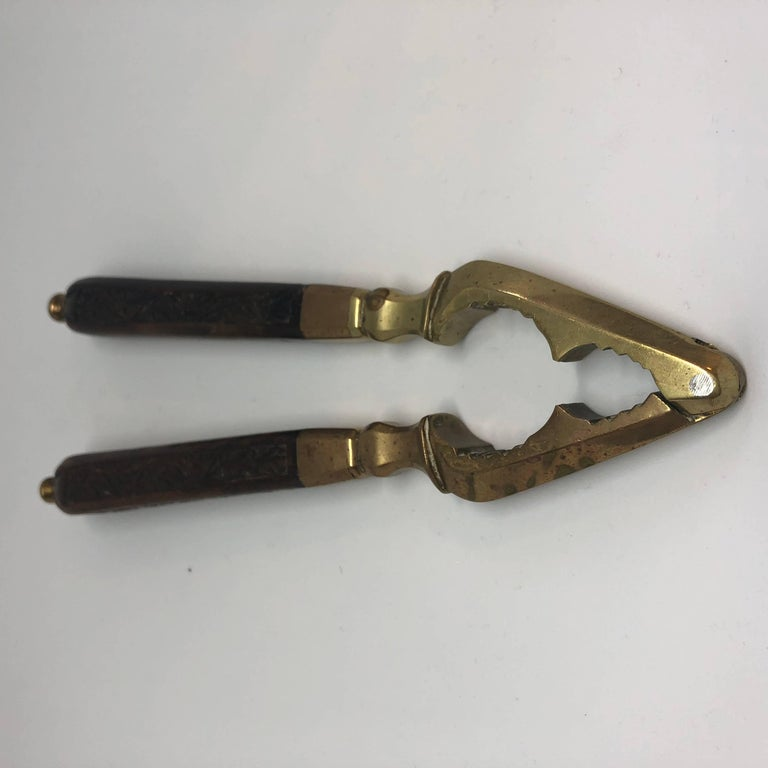 Danish 18th Century Brass And Wood Nutcracker For Sale 2