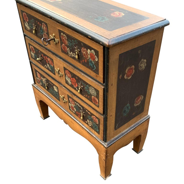 Danish 18th Century Flower Painted Folk Art Chest of Drawers In Good Condition For Sale In Haddonfield, NJ