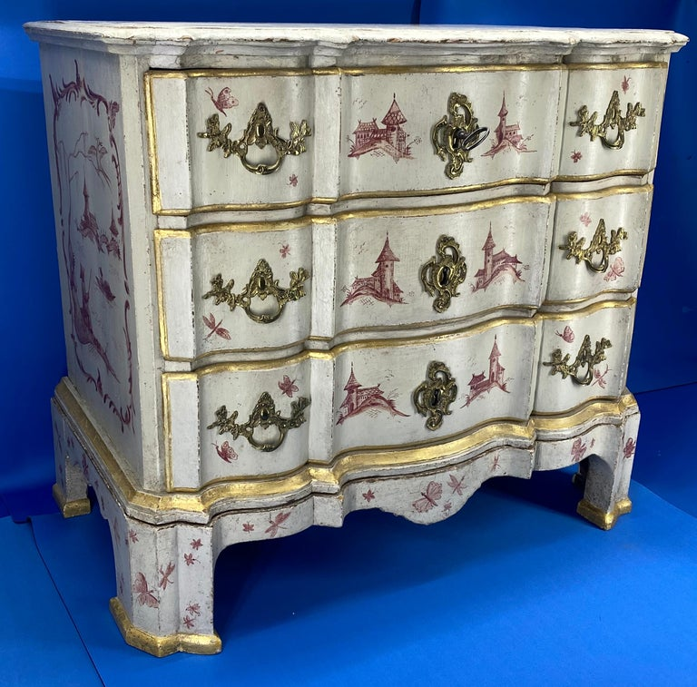 French Danish 18th Century Painted Chest of Drawers With Chinoiserie Decor For Sale