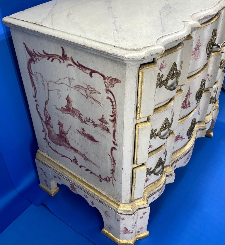 Danish 18th Century Painted Chest of Drawers With Chinoiserie Decor In Good Condition For Sale In Haddonfield, NJ