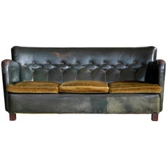 Danish 1930s Boesen and Lassen Style Tufted Club Sofa in Green Leather