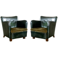Danish 1930s Pair of Club Chairs in Tufted Green Patinated Leather