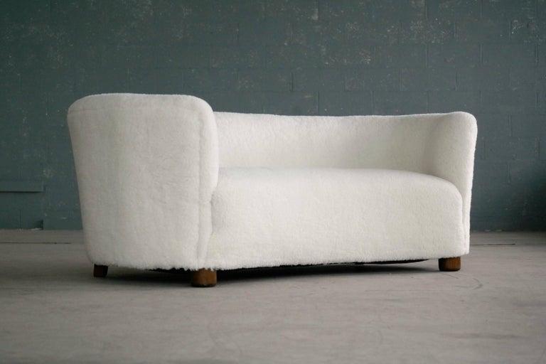Mid-Century Modern Danish 1940s Curved Banana Shape Sofa in Lambswool in the Style of Viggo Boesen