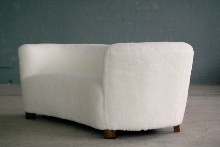 Danish 1940s Curved Banana Shape Sofa in Lambswool in the Style of Viggo Boesen 1