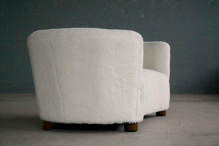 Danish 1940s Curved Banana Shape Sofa in Lambswool in the Style of Viggo Boesen 3