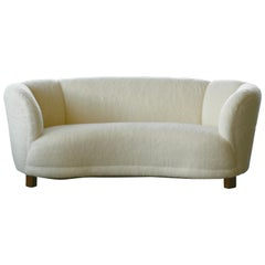 Danish 1940s Curved Banana Shape Sofa in Lambswool in the Style of Viggo Boesen