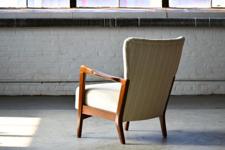 Danish 1940s Lowback Open Armrest Lounge Chair by Soren Hansen for Fritz Hansen For Sale 5
