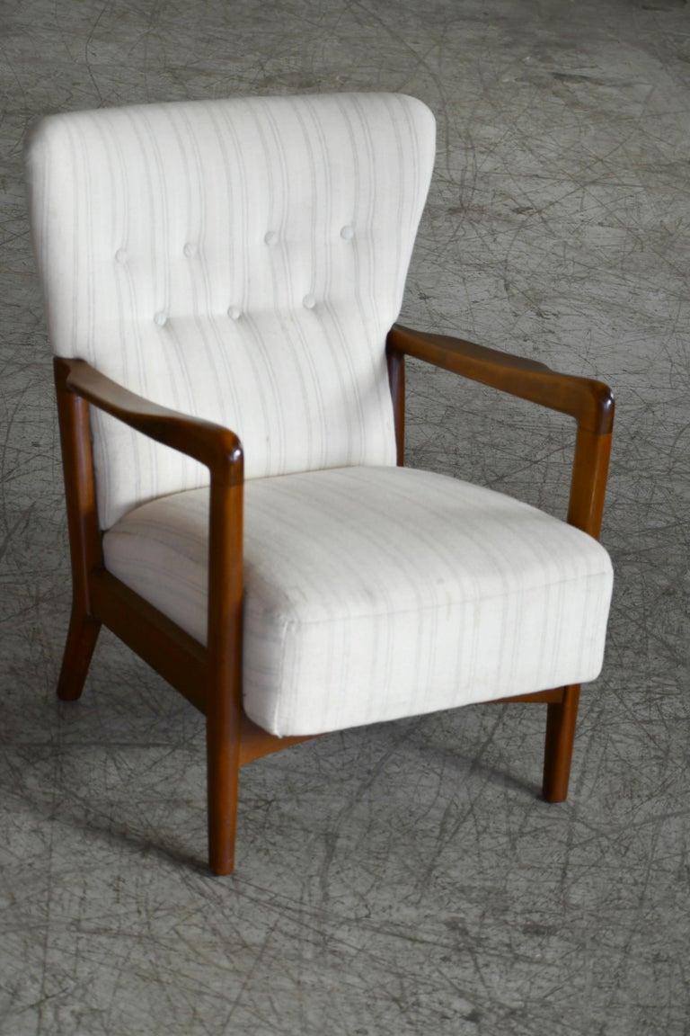 Danish 1940s Lowback Open Armrest Lounge Chair by Soren Hansen for Fritz Hansen For Sale 6