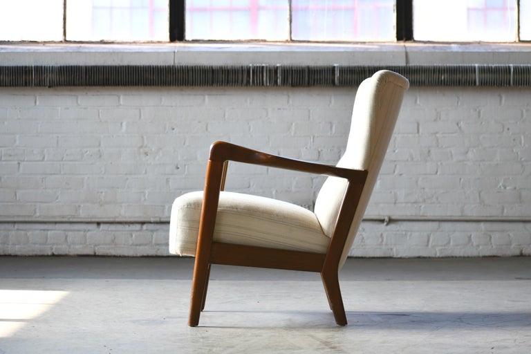 Danish 1940s Lowback Open Armrest Lounge Chair by Soren Hansen for Fritz Hansen For Sale 2