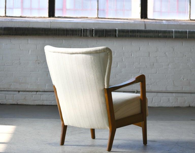 Danish 1940s Lowback Open Armrest Lounge Chair by Soren Hansen for Fritz Hansen For Sale 3