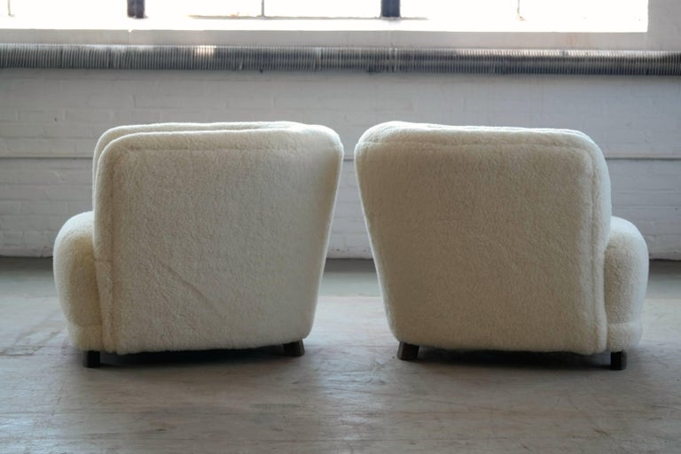 Mid-20th Century Danish 1940s Pair of Viggo Boesen Style Lounge or Club Chairs in Lambswool For Sale