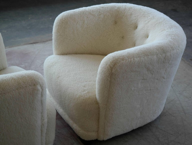 Wool Danish 1940s Pair of Viggo Boesen Style Lounge or Club Chairs in Lambswool For Sale