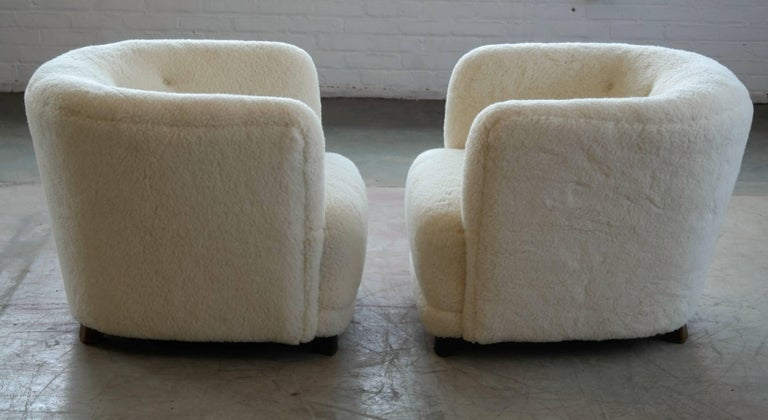 Danish 1940s Pair of Viggo Boesen Style Lounge or Club Chairs in Lambswool For Sale 1