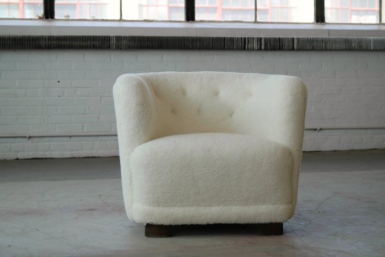 Danish 1940s Pair of Viggo Boesen Style Lounge or Club Chairs in Lambswool For Sale 3