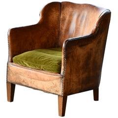 Danish 1940s Small-Scale Club Chair in Cognac Leather by Oskar Hansen