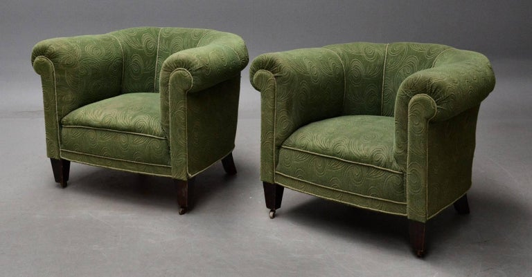 Danish 1950s Chesterfield Style Pair of Club Chairs in the Style of Otto Schulz In Good Condition For Sale In Bridgeport, CT