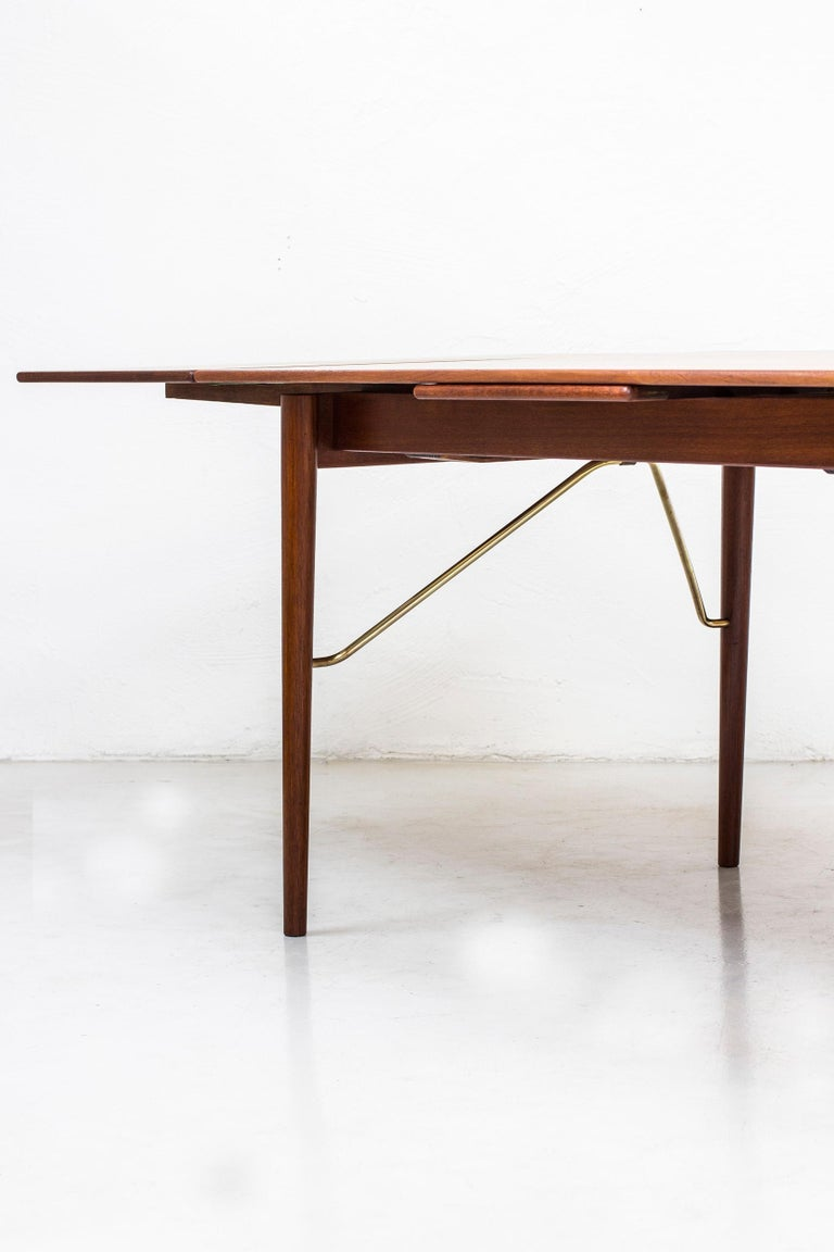 Danish, 1950s Extendable Table by Peter Hvidt & Orla Mølgaard 4