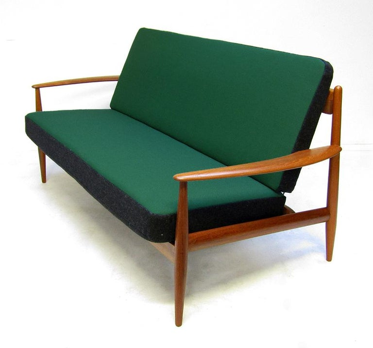 Danish 1950s Sofa and Lounge Chair Set in Jade Kvadrat by Grete Jalk For Sale 7