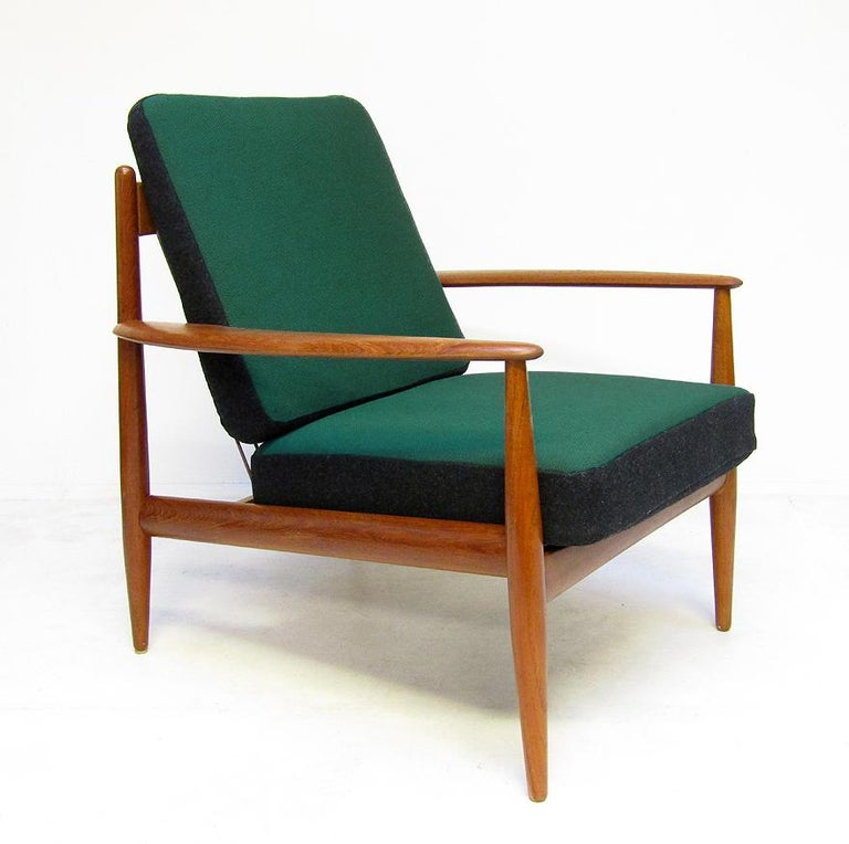 Danish 1950s Sofa and Lounge Chair Set in Jade Kvadrat by Grete Jalk In Good Condition For Sale In Shepperton, Surrey