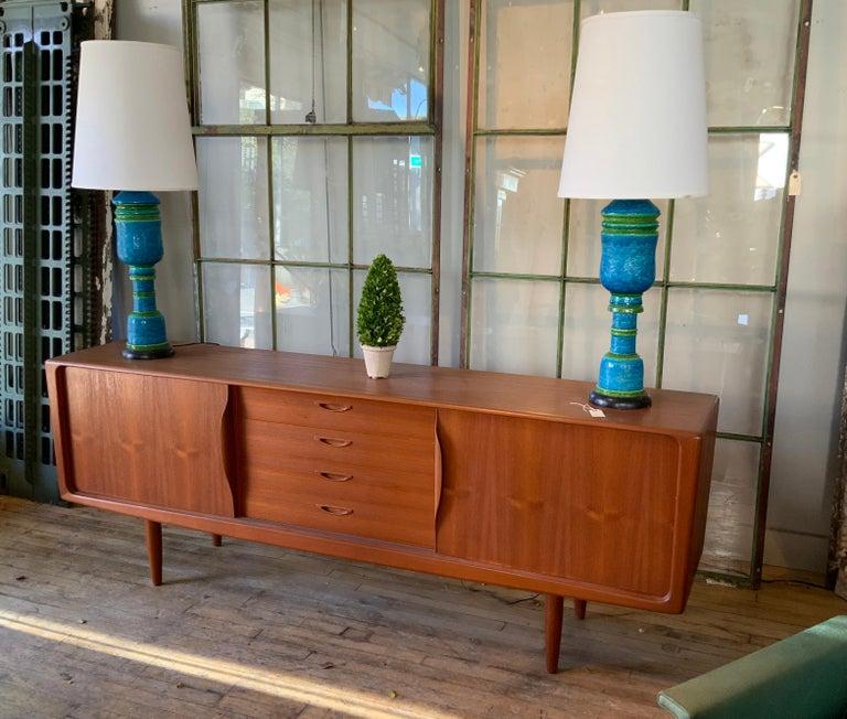 Scandinavian Modern Danish 1950s Teak Credenza Cabinet For Sale