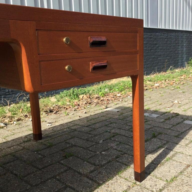 Beautiful Danish Desk by Aksel Bender Madsen & Ejner Larsen, Denmark 1960's  For Sale 5