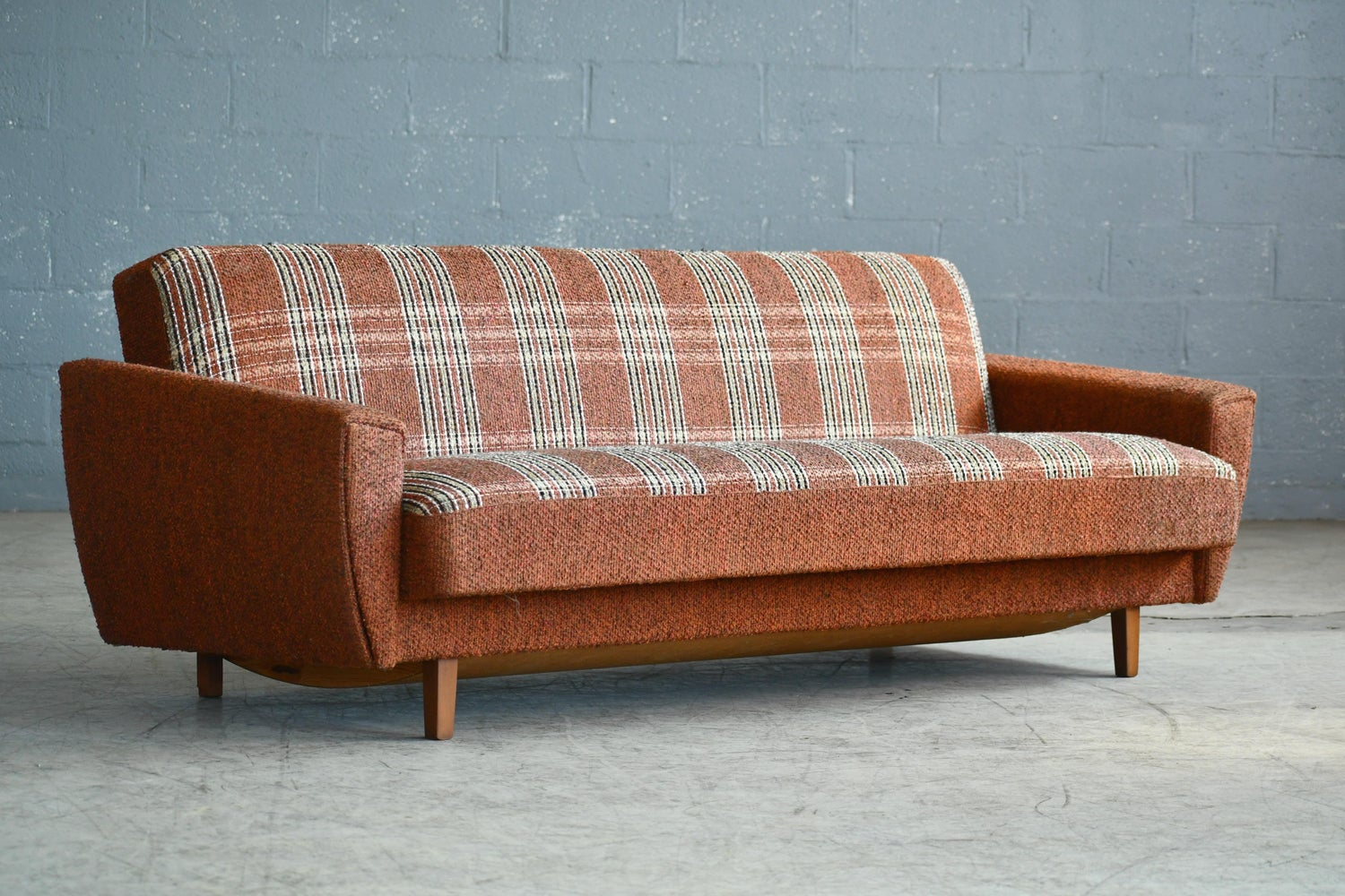1960s Extendable Daybed Or Sleeper Sofa