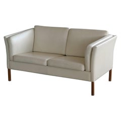Danish 1960s Loveseat in Cream Colored Leather in Style of Borge Mogensen