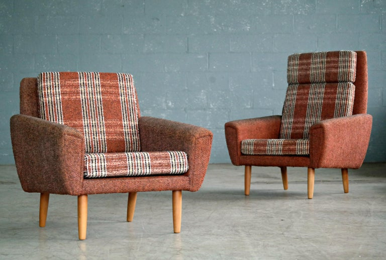 Great set of 1960s pair if easy chairs possibly designed by Kurt Østervig for Ryesberg Mobler. Very Classic 1960s design. These chairs bear strong resemblance to Ostervig's characteristic design with tear drop front panels continuing to the backside