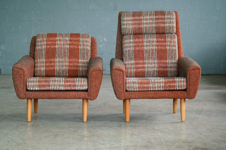 Mid-Century Modern Danish 1960s Pair of Kurt Ostervig Style Easy Lounge Chairs Original Wool For Sale