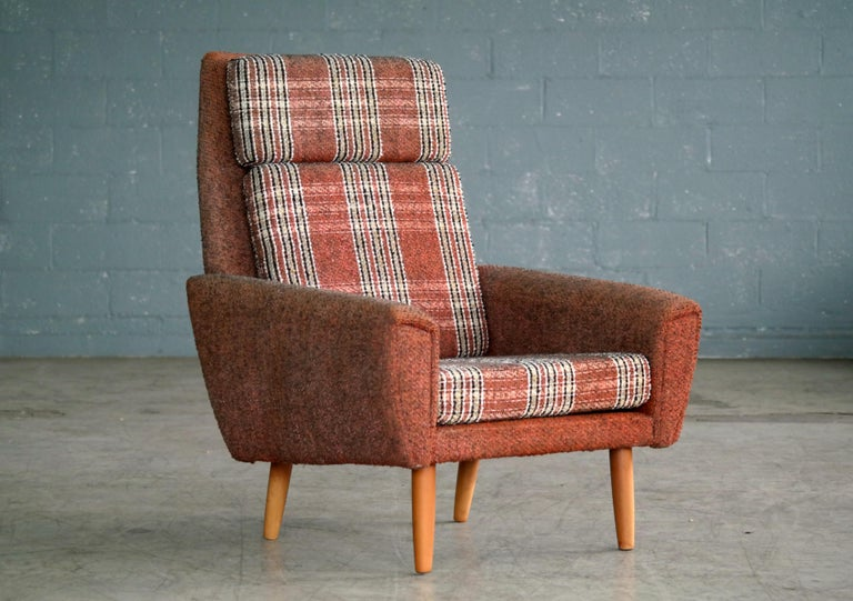 Danish 1960s Pair of Kurt Ostervig Style Easy Lounge Chairs Original Wool In Good Condition For Sale In Bridgeport, CT