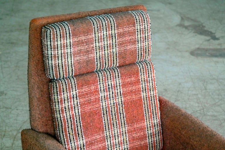 Mid-20th Century Danish 1960s Pair of Kurt Ostervig Style Easy Lounge Chairs Original Wool For Sale