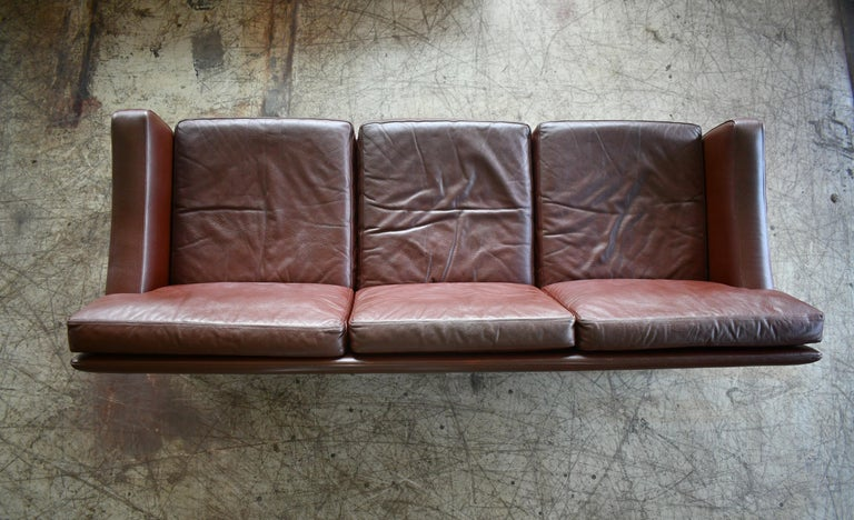 Danish 1960s Sofa in Brown Leather and Rosewood by Erhardsen & Andersen For Sale 5