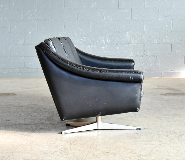 Danish Airport Style Sofa Model Matador in Black Leather by ERAN in 1966 For Sale 5