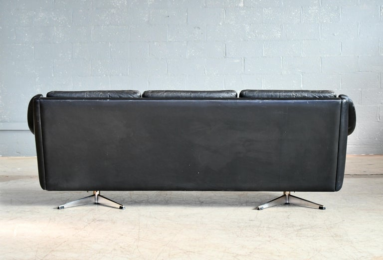 Danish Airport Style Sofa Model Matador in Black Leather by ERAN in 1966 For Sale 7