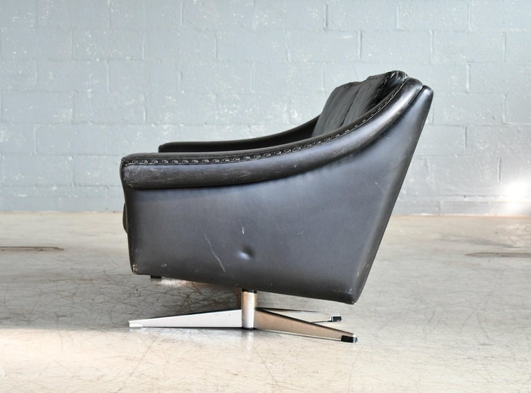 Danish Airport Style Sofa Model Matador in Black Leather by ERAN in 1966 For Sale 8