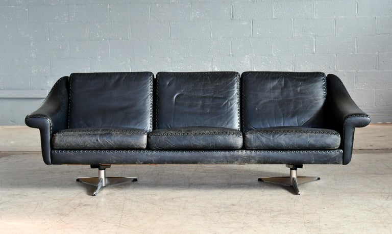Mid-Century Modern Danish Airport Style Sofa Model Matador in Black Leather by ERAN in 1966 For Sale