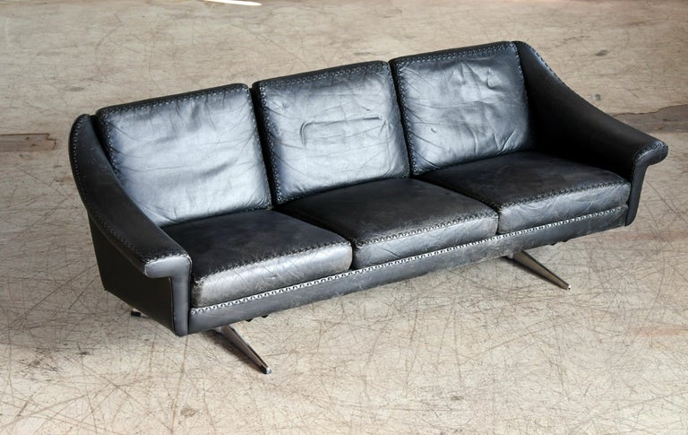 Danish Airport Style Sofa Model Matador in Black Leather by ERAN in 1966 For Sale 1