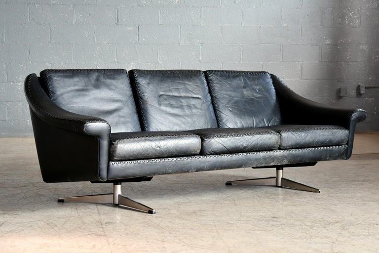 Danish Airport Style Sofa Model Matador in Black Leather by ERAN in 1966 For Sale 2