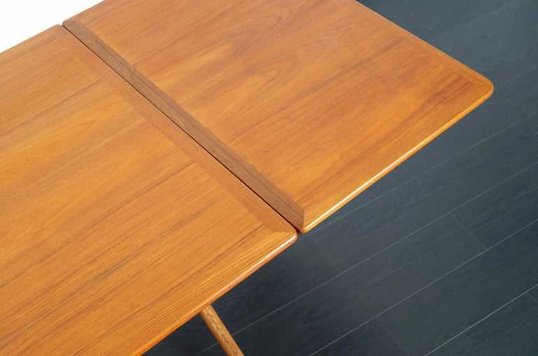 Danish AT-304 Dining Table by Hans J. Wegner for Andrea Tuck For Sale 7