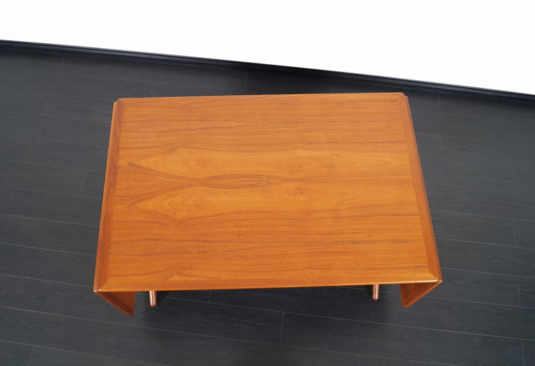 Danish AT-304 Dining Table by Hans J. Wegner for Andrea Tuck For Sale 8