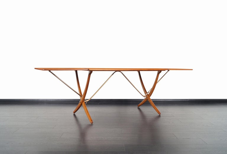 Danish AT-304 Dining Table by Hans J. Wegner for Andrea Tuck For Sale 3