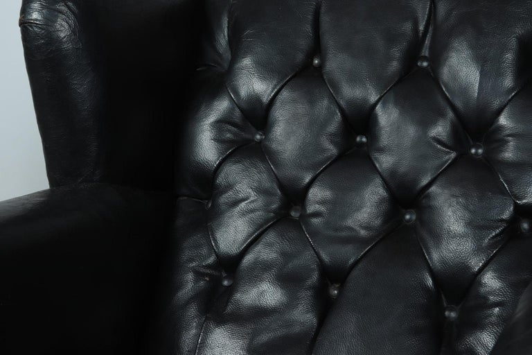 Danish Black Leather Buttoned Club Chair, circa 1940 For Sale 2