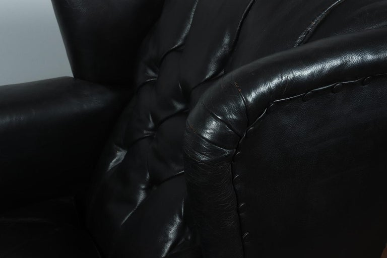 Danish Black Leather Buttoned Club Chair, circa 1940 For Sale 4