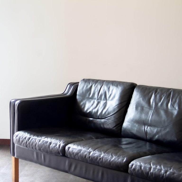 Danish Black Leather Three-Seat Sofa, 1950s For Sale 1
