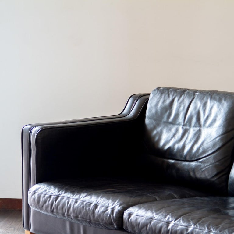 Danish Black Leather Three-Seat Sofa, 1950s For Sale 2
