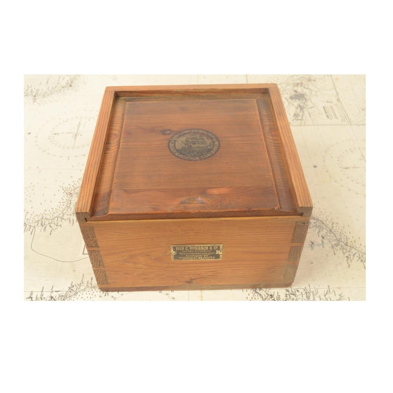 Danish Brass Compass in its Original Wooden Box, 1920s-1930s For Sale 8