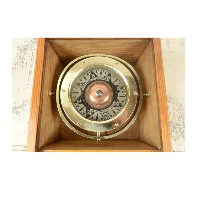 Danish Brass Compass in its Original Wooden Box, 1920s-1930s For Sale 1