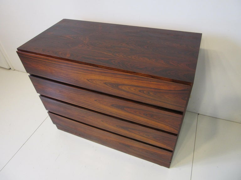 Danish Brazilian Rosewood Dresser Chest In Good Condition For Sale In Cincinnati, OH